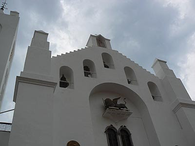 Tuxla, église.jpg