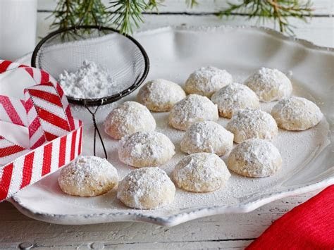 Polvorones (Mexican Wedding Cookies)   12 Days of Cookies