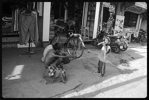 Gandu Tu Bhi Ek Din Meri Tarah Bhik Mange Ga .. by firoze shakir photographerno1