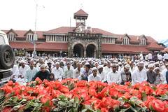 Bandra And The Eid Ul Fitr Namaz 2012 by firoze shakir photographerno1
