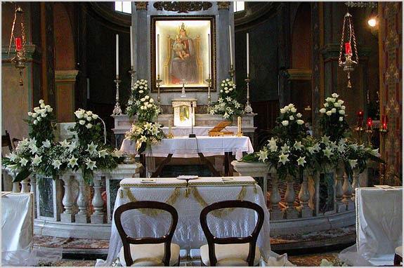 white wedding floral arrangements. As floral designer I took care