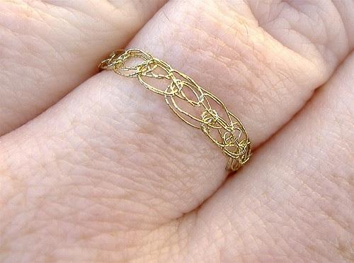 ring (closeup)