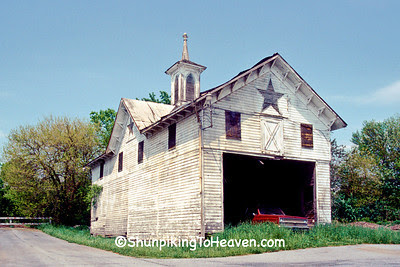 Carriage House/Corn Crib at the Star Barn Complex, Dauphin County, Pennsylvania