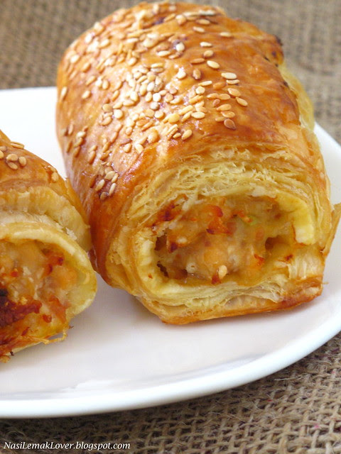 Chicken and Bacon puff rolls