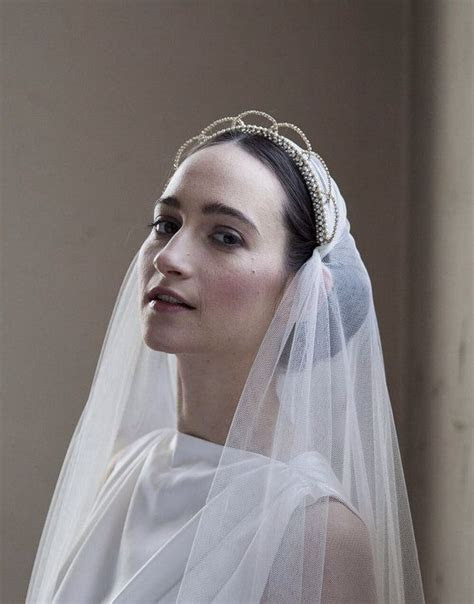 bridal crowns tiaras veil    wedding