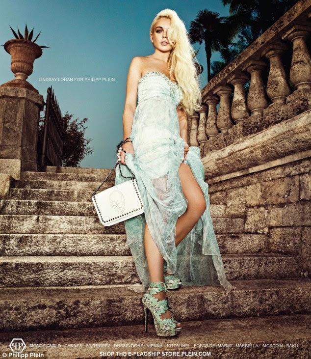 Sensual: Lindsay Lohan cobre até em um vestido deslumbrante, cortou a coxa em uma nova campanha publicitária para o designer alemão Philipp Plein