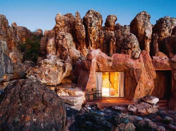 perierga.gr - Απόκοσμο ξενοδοχείο μέσα στα βράχια!