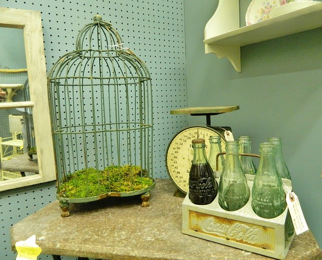 vintage bird cage via homeologymodernvintage.com
