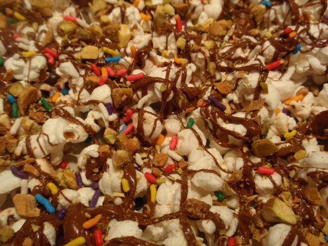 V Day Popcorn 639