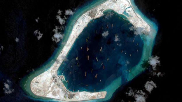 Đường băng do Trung Quốc xây dựng trên bãi đá có tranh chấp ở Biển Đông
