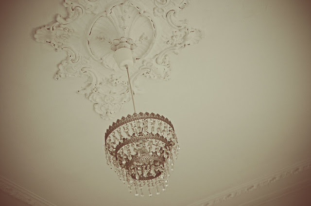 corniced ceiling