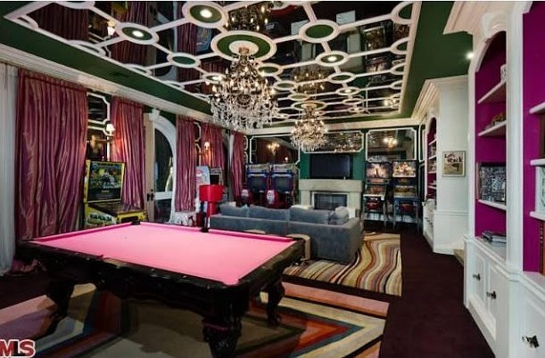 Cool or Fool: Christina Aguilera's House For Sale - Home Bunch ...