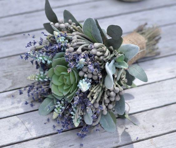 eine Rustikale weddign bouquet mit Sukkulenten, blass grün und Lavendel