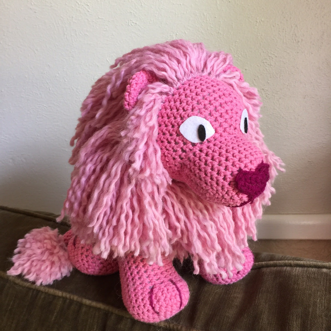 Today I finished my crochet plushie Lion from Steven Universe. I took a lot of time trying to make him look as on model as possible from the show. I am super happy with how he turned out. A full post...