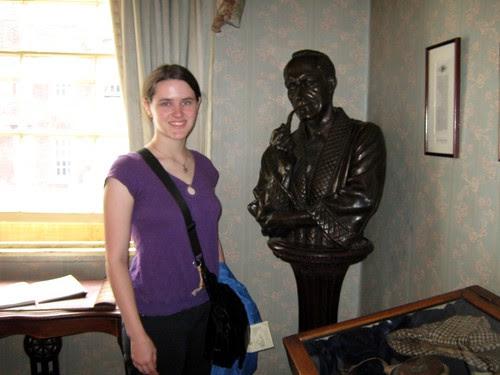 47-Holmes bust
