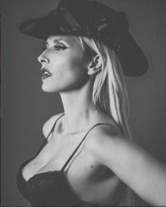 Cristina Ferreira sensual nas redes sociais em tempos passados