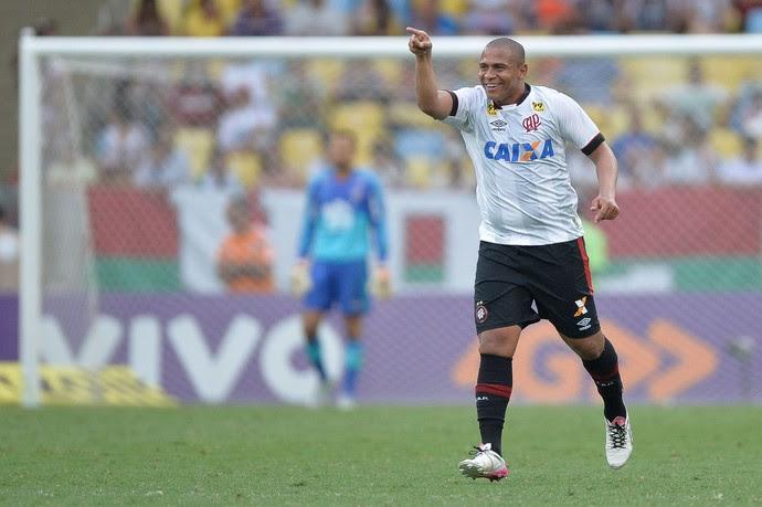 Walter Atlético-PR Fluminense (Foto: Ag Estado)