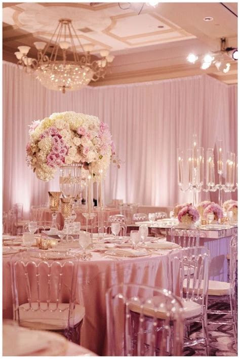 Extravagant Wedding Floral Centerpieces   MODwedding