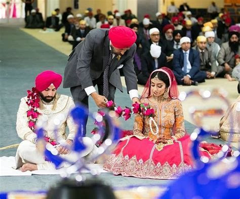 8 Unique Rose Palla Designs We Spotted at Sikh Weddings