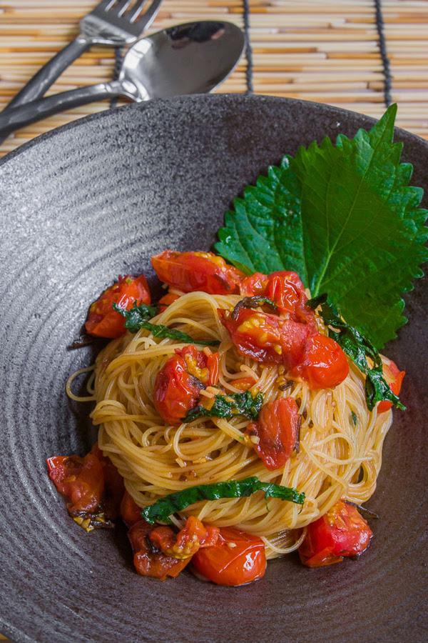 Capellini Pomodoro con receta Shiso
