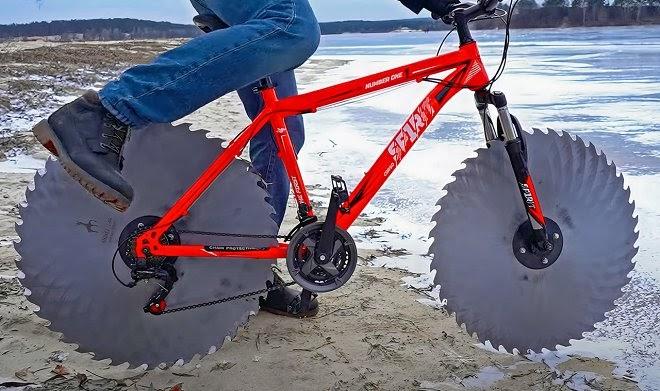 Инженер-энтузиаст разработал самый странный ледовый велосипед в мире