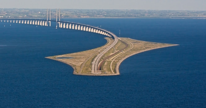 Esta ponte engenhosa liga a Dinamarca até a Suécia