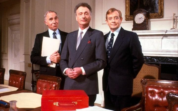 Yes, Minister starring Paul Eddington a Jim Hacker, Nigel Hawthorne as Sir Humphrey and Derek Fowlds as Bernard