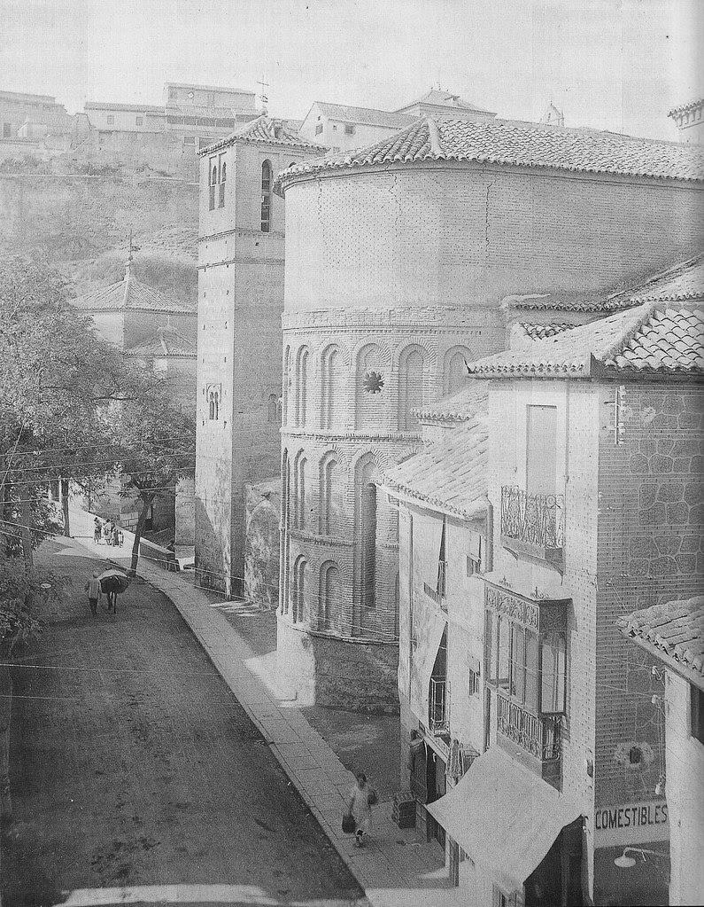 Iglesia de Santiago del Arrabal a principios del siglo XX. Fotografía de Pedro Román Martínez