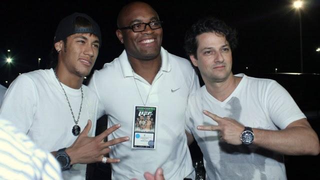 Neymar se encontra com Anderson Silva e Marcelo Serrado no UFC