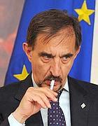 Il ministro della Difesa, Ignazio La Russa (Ansa)
