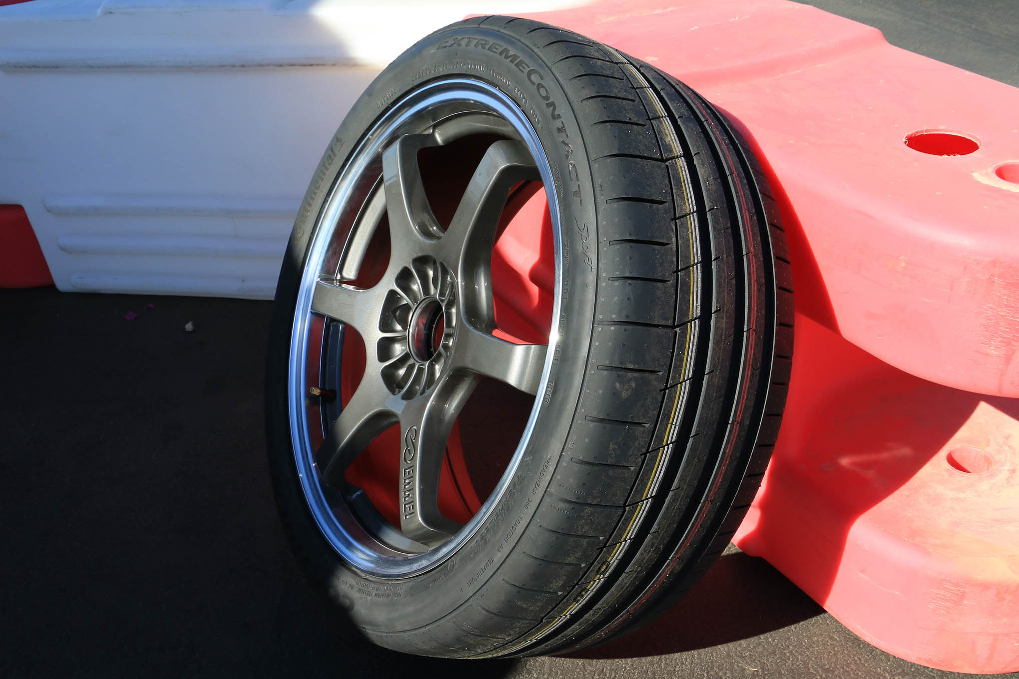 On Track With Continentals New Extremecontact Sport Summer Tire Hot Rod Network