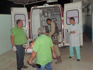 Suspeito foi baleado e levado para Hospital do Oeste, diz polícia (Foto: Blog do Braga)