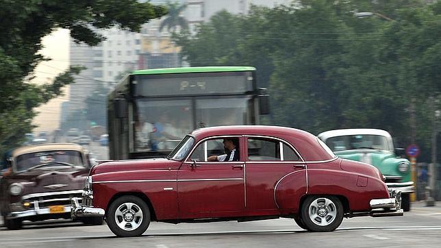 Temor en Cuba a poner en orden compras ilegales de coches