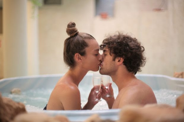 Quarantine Blues: Romantic Honeymoon Alternative Ideas