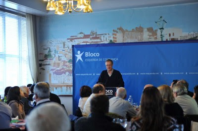 O coordenador do Bloco afirmou, durante um almoçou em Coimbra, que a política do FMI vai agravar a pobreza, as injustiças e o desemprego. Foto de Paulete Matos.