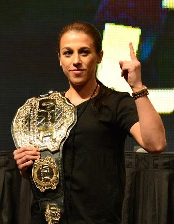 Joanna Jedrzejczyk cinturão coletiva UFC (Foto: Jason Silva)