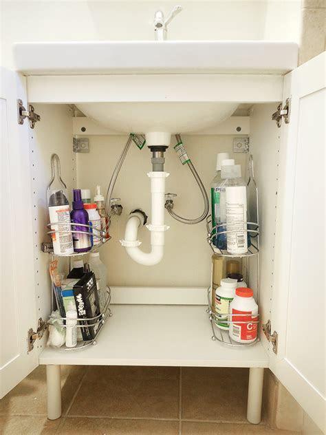 clever organization ideas   tiny bathroom