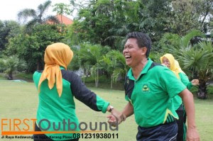 Outbound Leadership Program Batu, Outbound Leadership Program Trawas , Outbound Team Building Bersama Guru SD Jambangan www.1stoutbound.com 2