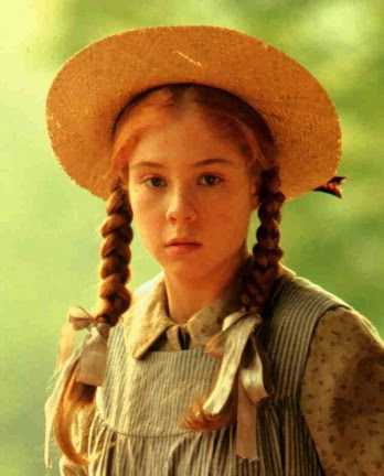 Megan Follows caracterizada como Ana de las Tejas Verdes
