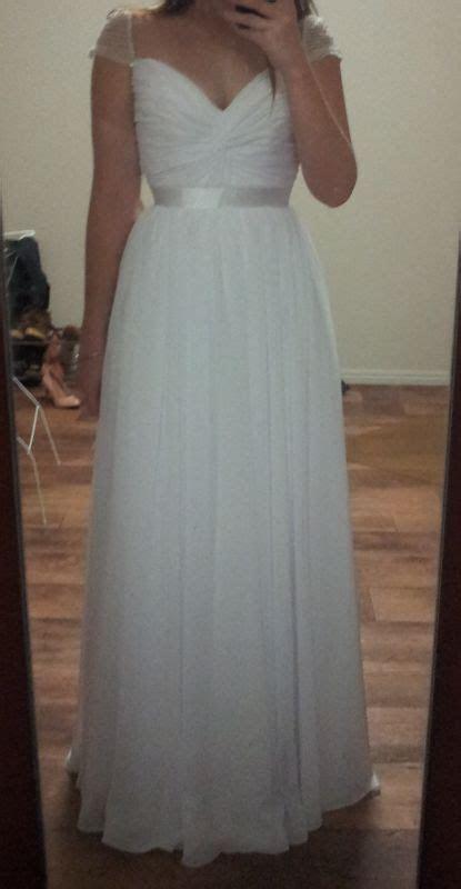 Pimp my dress?! It arrived, kinda underwhelmed by it
