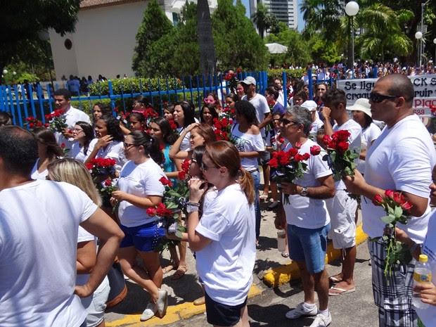 Voluntários se reuniram desde cedo no Parque da Jaqueira (Foto: Moema França / G1)