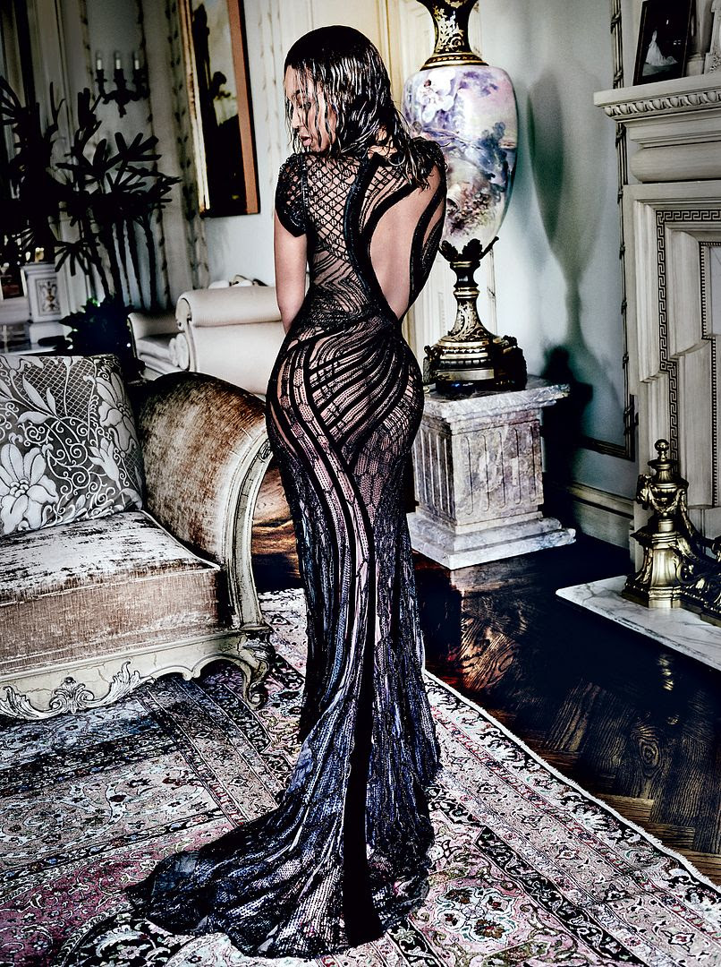 Beyoncé : Vogue (September 2015) photo 1439478096_beyonce-knowles-vogue-zoom.jpg