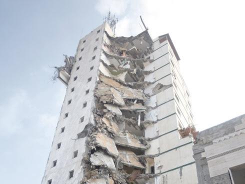 Bangunan tertinggi di Gaza musnah
