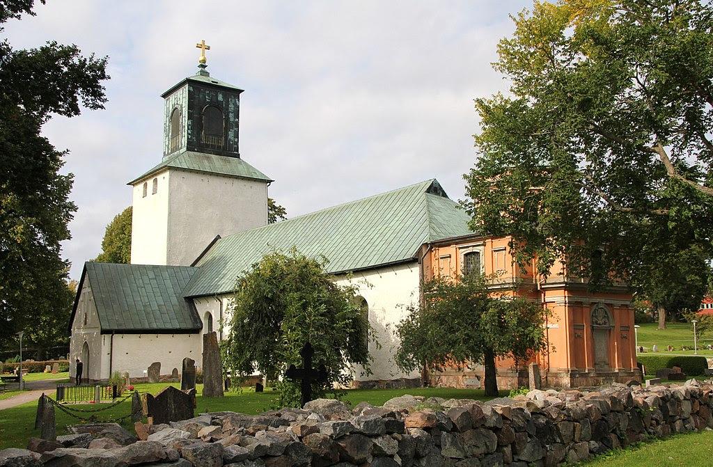 Spånga kyrka 2012a.JPG