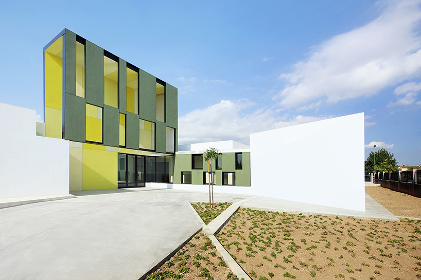 bartomeu ordines primary school and kindergarten by ripolltizon, spain
