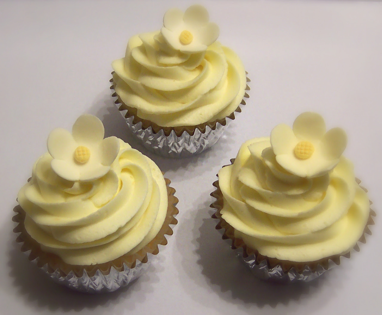 Fresh Lemon Cupcake