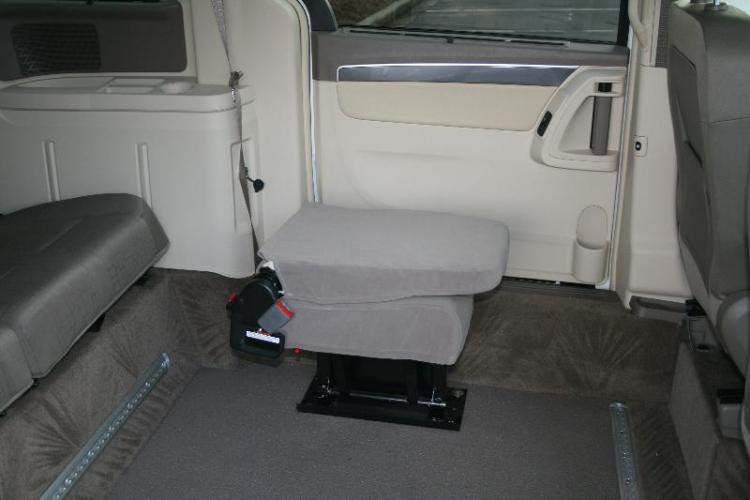 Single Jump Seats For Wheelchair Accessible Conversion Vans