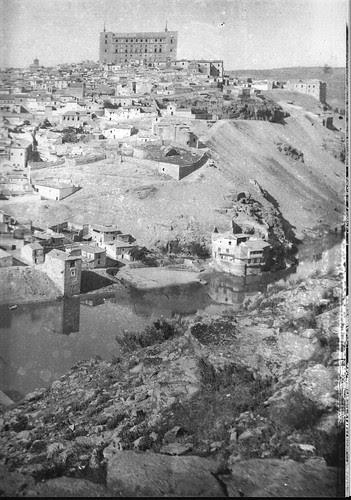 Vista de Toledo hacia 1887. Fotografía de Casiano Alguacil