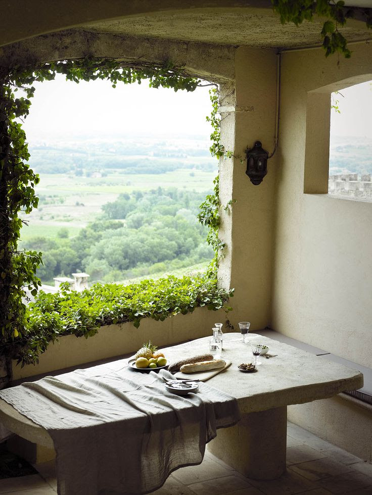 Dining at Crillion le Brave/ Provence, France