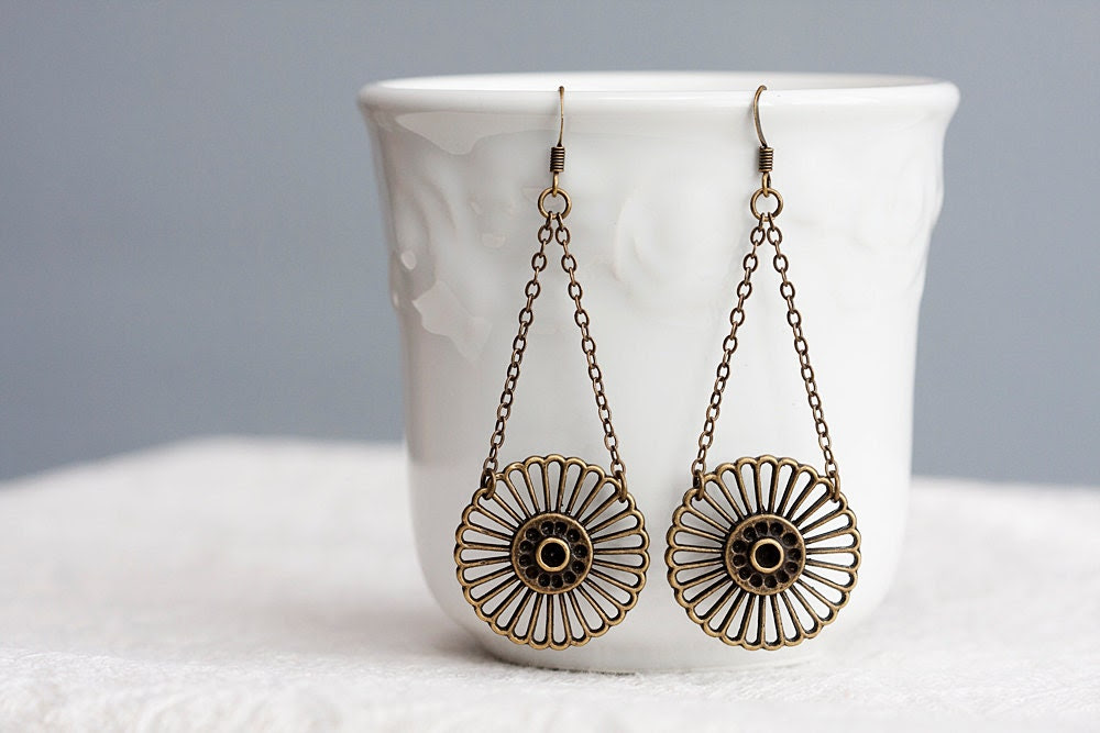 Wheel Chain Earrings Rustic Brown Antiqued Brass Round Charm Dangle Earrings Steampunk Jewelry - E186 - SilentRoses